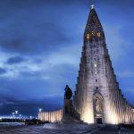Hallgrímskirkja kostel v Reykjaviku. Trvalo to 38let nez byl postaven