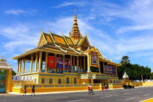 royal-palace002-800x530