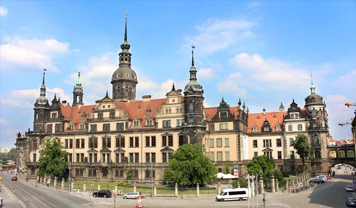 royal-palace