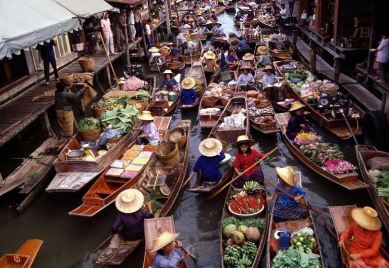 Damnernsaduak Floating Market with Boat Ride